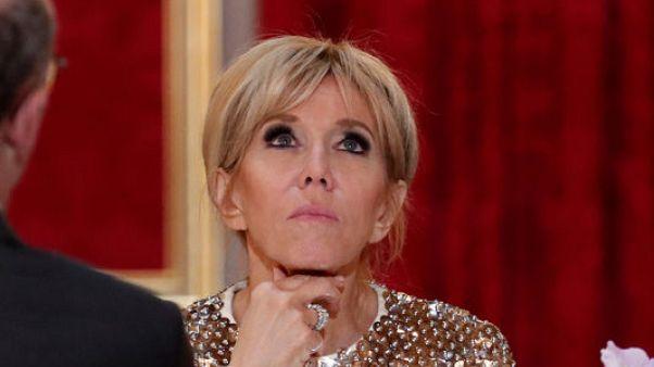 محتالون يحاولون استخدام هوية سيدة فرنسا الأولى للاستمتاع بخدمات