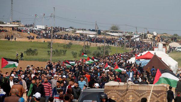 مسعفون: القوات الإسرائيلية تقتل 7 محتجين فلسطينيين على حدود غزة