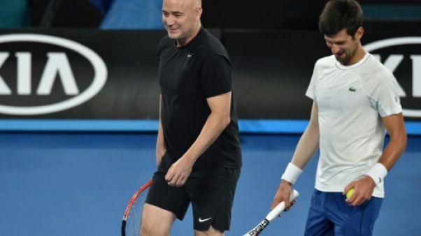 Tennis: Agassi n'entraîne plus Djokovic