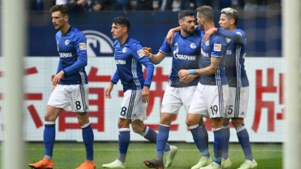 Allemagne: Schalke gagne, le Bayern attendra pour fêter le titre