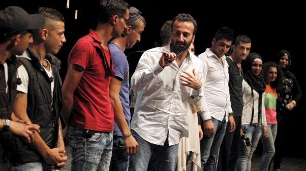 المخرج اللبناني بورجيلي: (غداء العيد) يتساءل عن علاقة العائلة بالوطن
