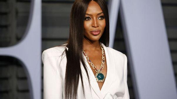 عارضة الأزياء ناعومي كامبل تحث فوج على إصدار نسخة إفريقية