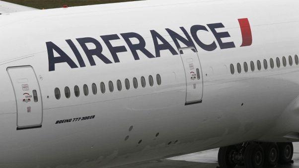 نقابات طياري إير فرانس تدعو لجولة إضرابات جديدة في 10 و11 أبريل