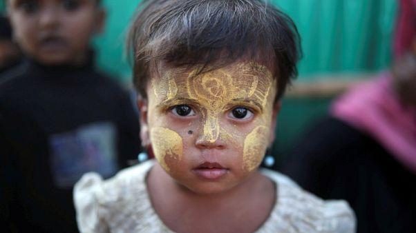 ماليزيا تعترض قاربا يقل لاجئين من مسلمي ميانمار