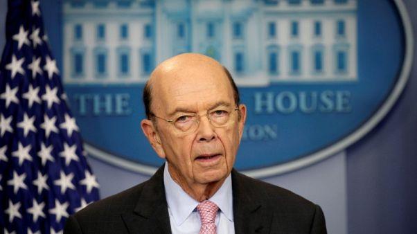 وزير التجارة الأمريكي يرجح إجراء محادثات تجارية مع الصين