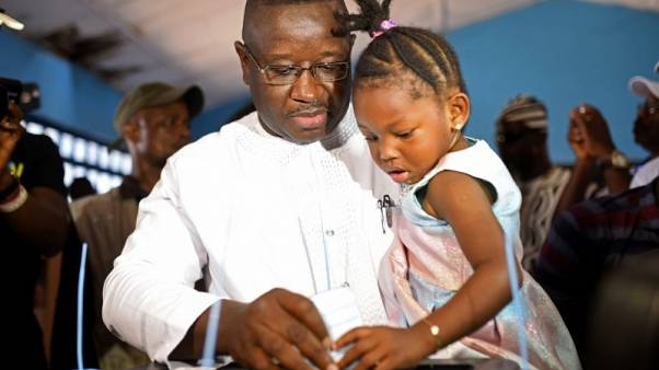 مرشح المعارضة في سيراليون يفوز بانتخابات الرئاسة