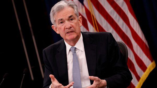رئيس المركزي الأمريكي يشير إلى مزيد من الزيادات التدريجية للفائدة