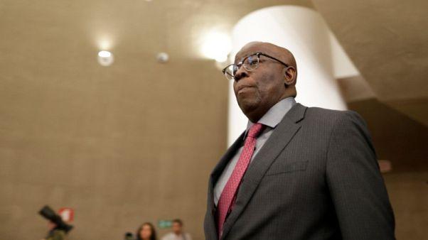 أول قاض برازيلي أسود بالمحكمة العليا ينضم لحزب سياسي ويفكر في الرئاسة