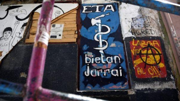 Au Pays basque, l'attente tendue de la dissolution à venir de l'ETA