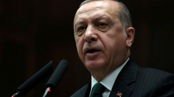 إردوغان: فرنسا تشجع الإرهابيين