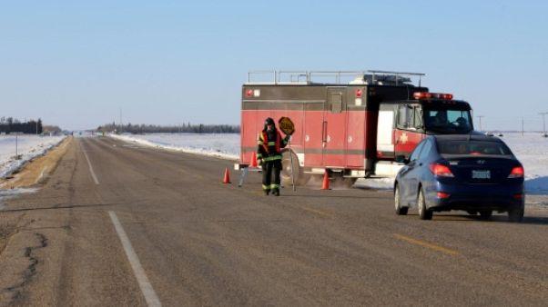 Hockey sur glace: 14 morts dans un accident entre un car de jeunes hockeyeurs et un camion