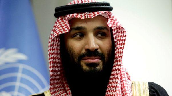 ولي العهد السعودي يبدأ جولة أوروبية بزيارة باريس