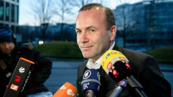 """Hongrie: """"Orban doit respecter les lignes rouges"""" de l'UE, selon Manfred Weber"""