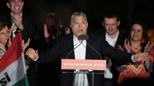 L'UE félicite Orban mais le met en garde