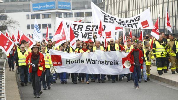 إلغاء مئات الرحلات الجوية بألمانيا بسبب إضراب القطاع العام