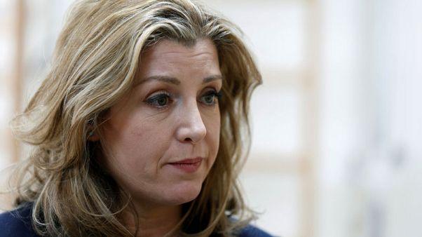 وزيرة بريطانية تقول التدخل العسكري في سوريا محل دراسة