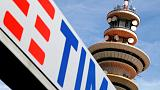 Hedge fund Elliott issues new attack on Vivendi over Telecom Italia