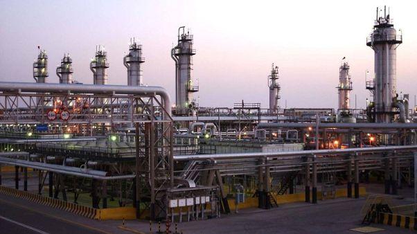 السعودية تقول إنها ملتزمة بتلقى السوق إمدادات نفطية كافية
