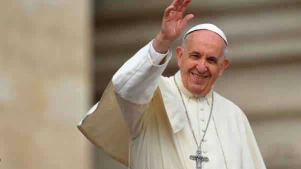 Le pape reçoit un Français grièvement blessé après avoir défendu un couple