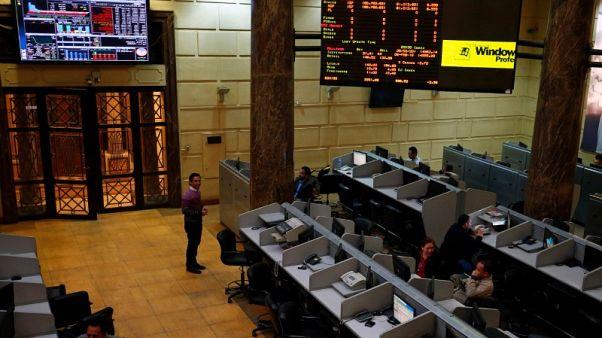 البورصة المصرية تقفز بفعل محادثات لاندماج عقاري، والسعودية تتراجع بعد تغريدة لترامب