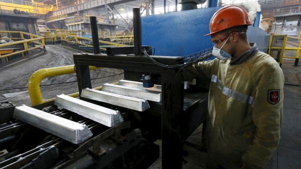 أسعار الألومنيوم تواصل الصعود بفعل القلق من نقص في الإمدادات من روسال