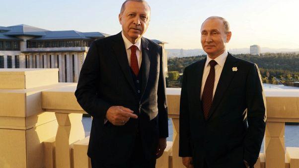 إردوغان: سأتحدث مع بوتين يوم الخميس بشأن الموقف في سوريا