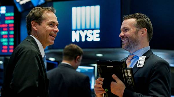 الأسهم الأمريكية تفتح مرتفعة بعد قرار المركزي الأوروبي وبيانات التجزئة