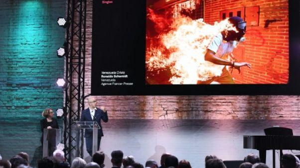 """La photo AFP d'un pays """"qui brûle"""", premier prix au World Press Photo 2018"""