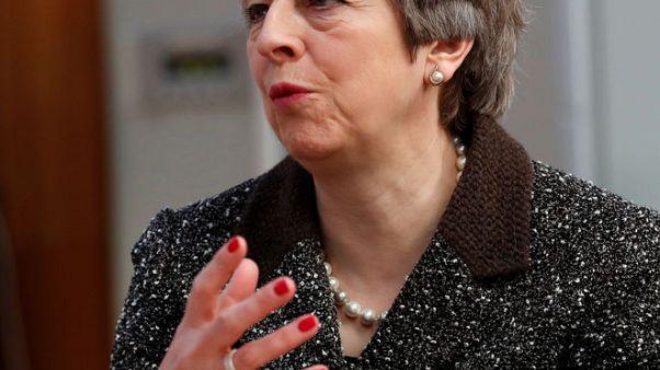 بريطانيا: ماي وترامب يعملان على صياغة رد على استخدام أسلحة كيماوية في سوريا