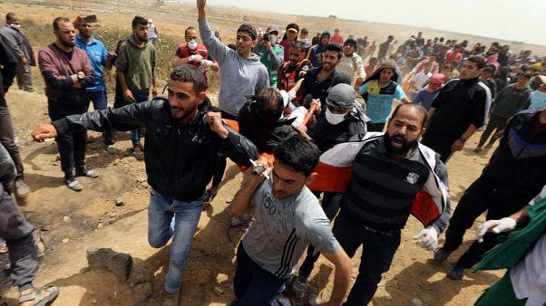 إصابة 30 فلسطينيا برصاص القوات الإسرائيلية في احتجاجات على حدود غزة