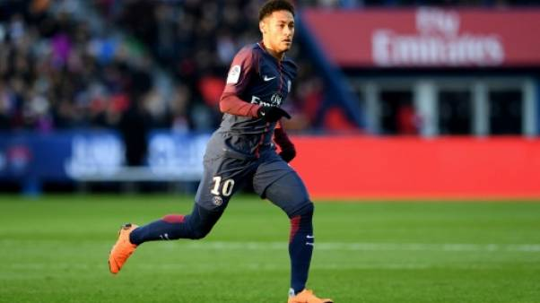 """PSG: Neymar estime à """"un petit mois"""" sa récupération totale"""