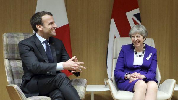 متحدث بريطاني: ماي وماكرون يناقشان الهجوم الذي وقع في دوما بسوريا
