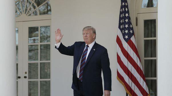 ترامب يقول إنه أمر بتوجيه ضربات عسكرية أمريكية لسوريا