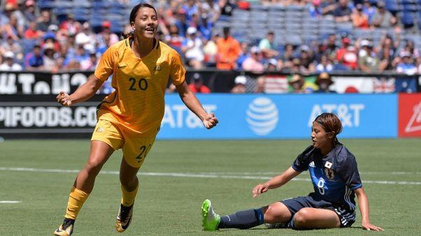 مدرب منتخب استراليا النسائي للقدم سعيد بتأهل فريقه لكأس العالم