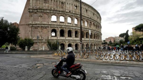 Cauchemar des automobilistes, les nids-de-poule sont légion à Rome