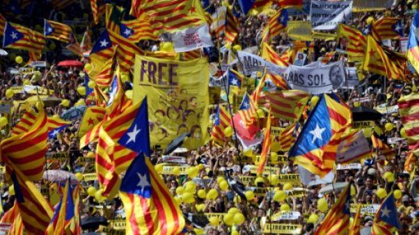 Manifestation géante à Barcelone contre la détention d'indépendantistes