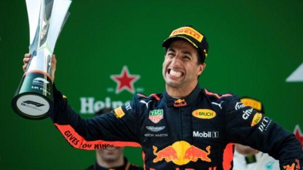 GP de Chine: Red Bull et Ricciardo jouent au chamboule-tout