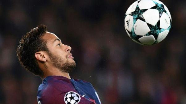 """Pelé à l'AFP: """"Je pense que Neymar sera en forme pour la Coupe du monde"""""""