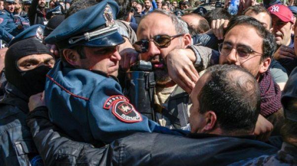 Arménie: protestations contre le futur Premier ministre, des dizaines de blessés