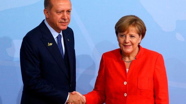 متحدث: ميركل وإردوغان بحثا الوضع في سوريا في اتصال هاتفي