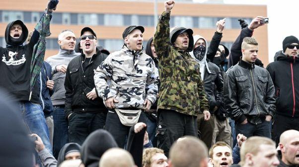 السلطات الألمانية تداهم منازل أشخاص تشتبه أنهم من النازيين الجدد
