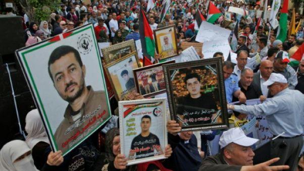 Territoires palestiniens: des milliers de manifestants en soutien aux prisonniers