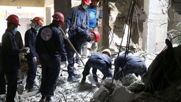 الجثث ما زالت مدفونة تحت الأنقاض في الرقة السورية