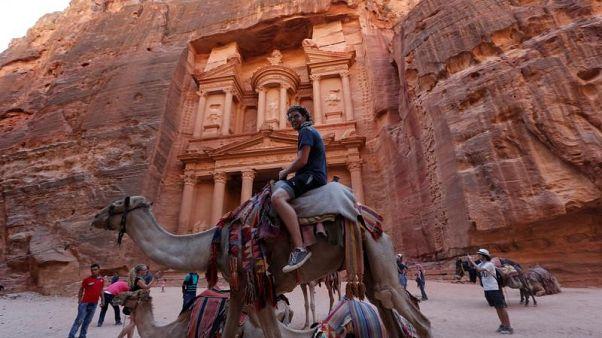 ارتفاع الدخل السياحي للأردن 14.6% في الربع/1