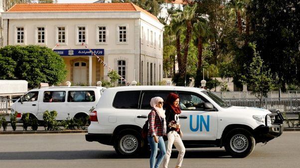 الخوذ البيضاء تحدد للمفتشين الدوليين أماكن دفن ضحايا الهجوم الكيماوي المزعوم