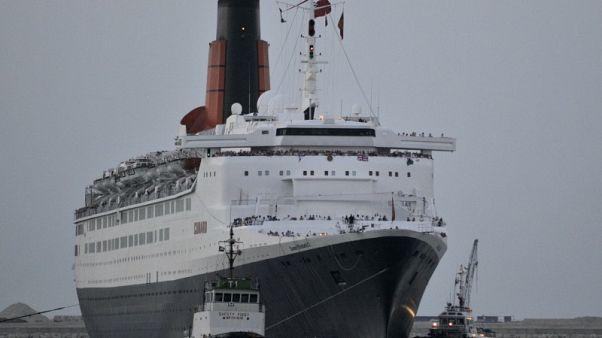 """السفينة الفاخرة """"الملكة إليزابيث 2"""" تعود كفندق عائم في دبي"""