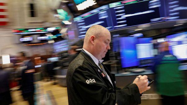 مؤشرات الأسهم الأمريكية تغلق متباينة بعد جلسة متقلبة