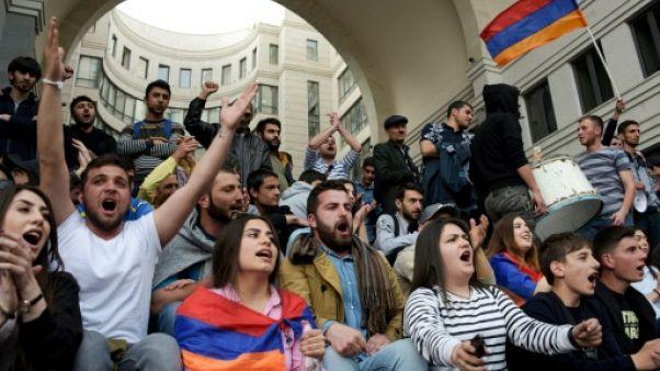 Arménie: plusieurs dizaines de manifestants interpellés
