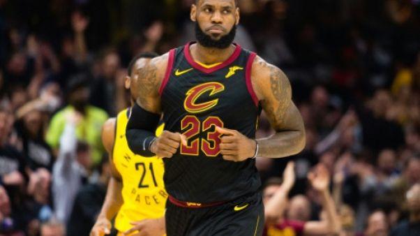 NBA: Cleveland rebondit grâce à un LeBron James magistral