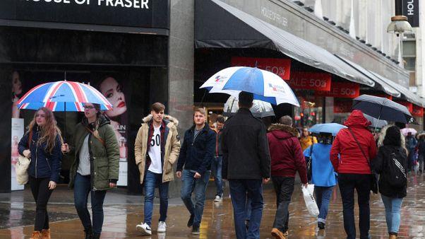 مبيعات التجزئة البريطانية تسجل أسوأ أداء فصلي خلال عام